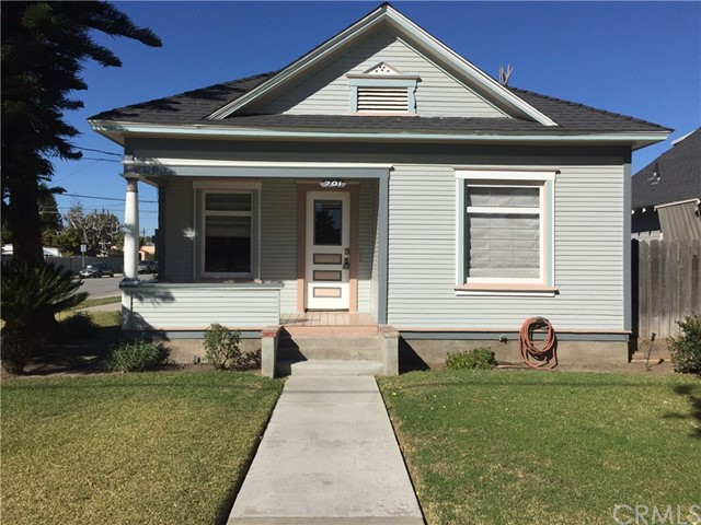 This 1904 Craftsman features 3 Bedrooms and 2 Full Bathroom with original hardwood floors on the corner of Palmyra & Harwood with a 1 car garage and driveway. Inside the home features Air Conditioning, Laundry Room with Washer/Dryer, Utility room with closet, Refrigerator, Gas Stove & Dishwasher. Walking distance to St.Johns Lutheran & The Plaza.