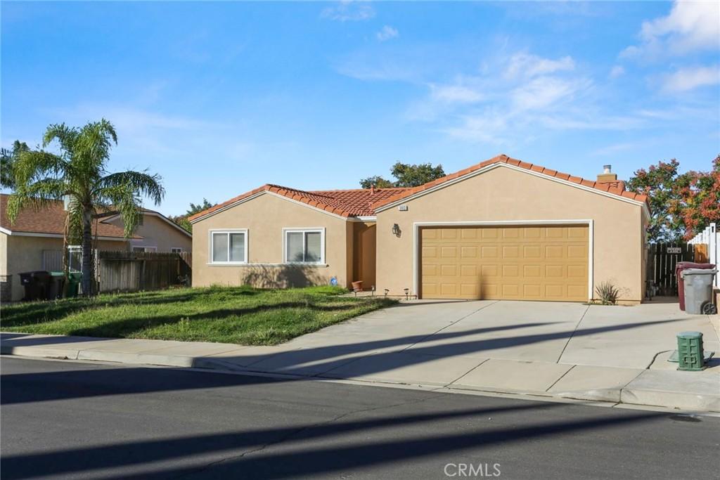 1003     Olive Avenue, Beaumont CA 92223