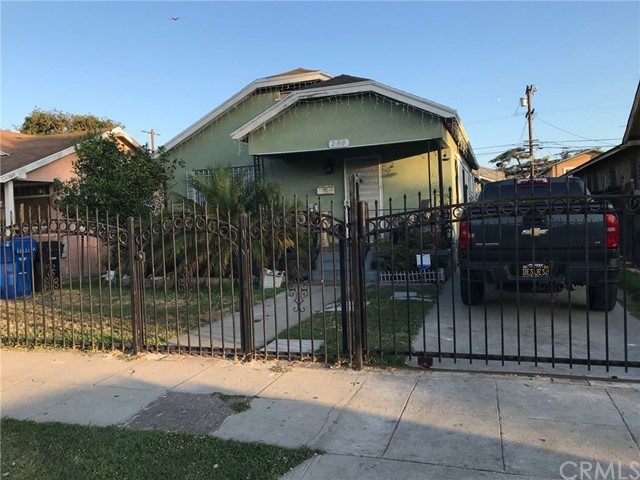 230 E 84th Place, Los Angeles, CA 90003