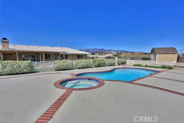 10224 Whitehaven St, Oak Hills, CA 92344 Photo 38