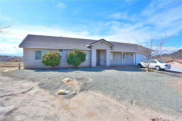 17793 Quantico Road, Apple Valley, CA 92307