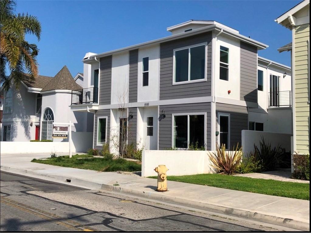 2215 Robinson Street B, Redondo Beach, California 90278, 4 Bedrooms Bedrooms, ,4 BathroomsBathrooms,For Sale,Robinson,SB20068022