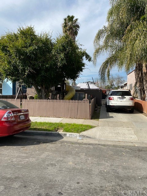 2062 Cedar Street, Santa Ana, CA 92707