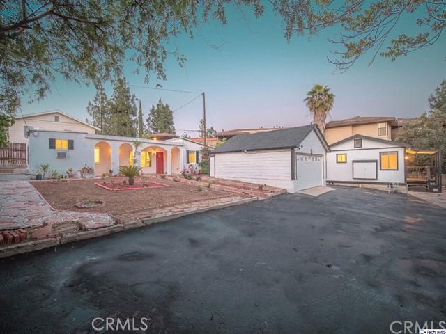 2949 Montrose Avenue, Glendale, CA 91214