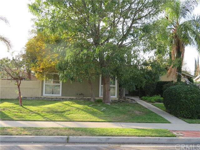 7915 Fallbrook Avenue, West Hills, CA 91304