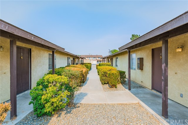 15872 Green Hill Drive, Victorville, CA 92394