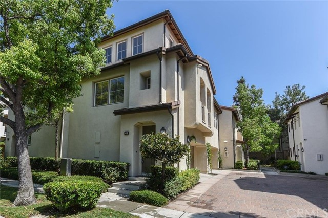 49 Olivehurst 10, Irvine, CA 92602