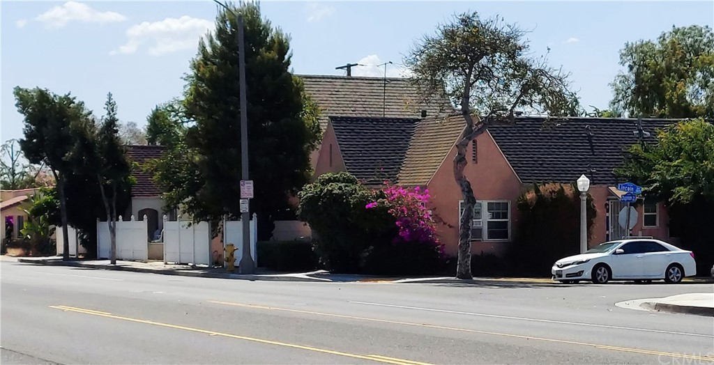 Photo of 900 Chapman, Fullerton, CA 92831
