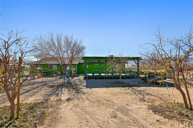 34738 Old Woman Springs Rd, Lucerne Valley, CA 92356 Photo 2