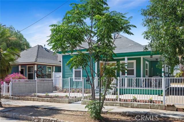 2. 511 E Central Avenue Redlands, CA 92374