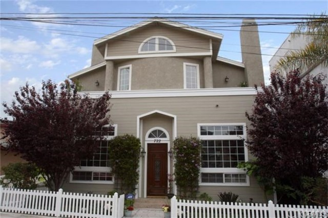 722 9th Street, Hermosa Beach, California 90254, 3 Bedrooms Bedrooms, ,2 BathroomsBathrooms,For Rent,9th,SB20056472