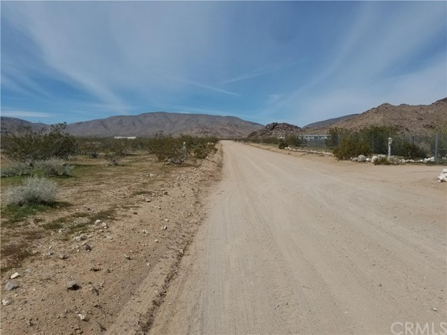 304 Spinel St, Lucerne Valley, CA 92356 Photo 4