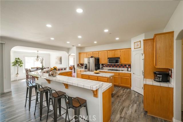 9875 Alta Mesa Rd, Oak Hills, CA 92344 Photo 12