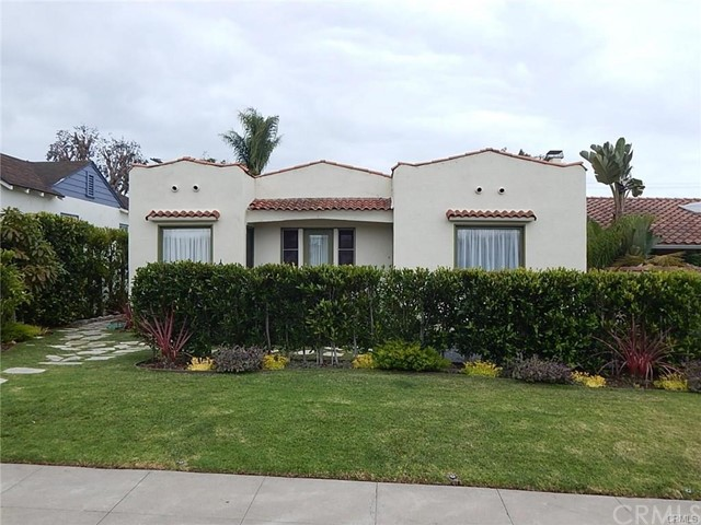 228 Avenue E Front House, Redondo Beach, California 90277, 3 Bedrooms Bedrooms, ,1 BathroomBathrooms,For Rent,Avenue E,SB20110337