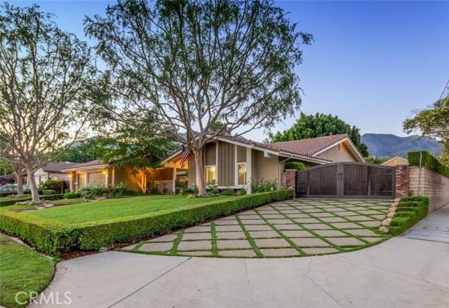 13704 De Foe Avenue, Sylmar, CA 91342
