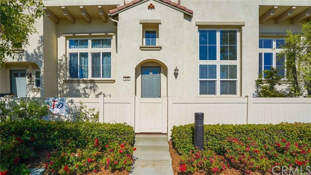 576 W Riverbend, Orange, CA 92865