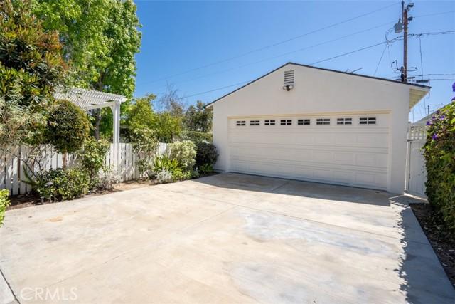Image 22 of 385 E 19th St, Costa Mesa, CA 92627