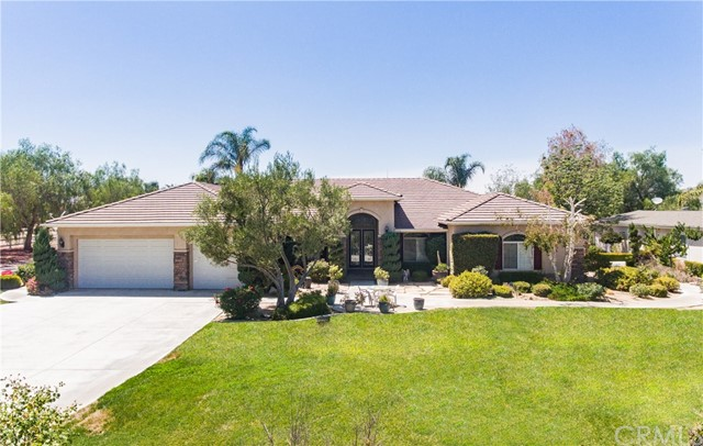 17111 Birds Eye Dr, Lake Mathews, CA 92570