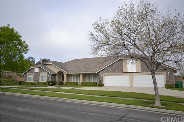 Photo of 3070 Armstrongs Drive, Corona, CA 92881