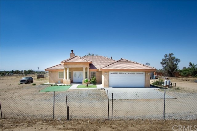 5922 Smoke Tree Road, Phelan, CA 92371