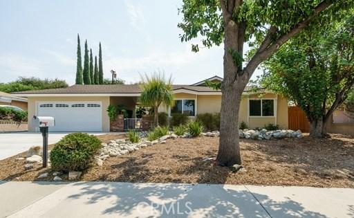 566 Cedar Crest Avenue, Claremont, CA 91711