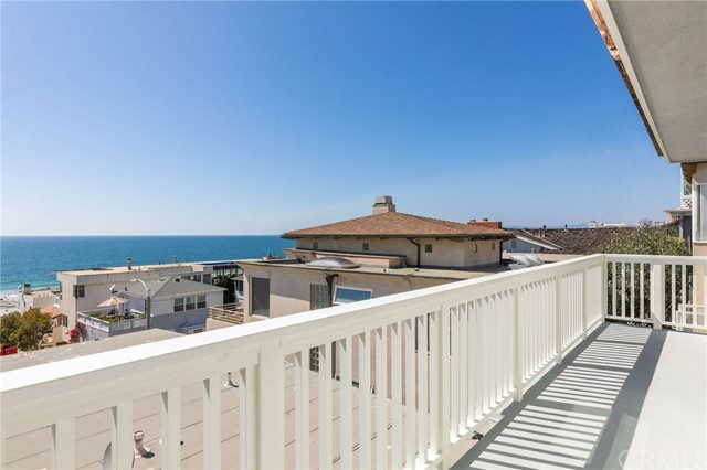 3309 Bayview Drive, Manhattan Beach, California 90266, 3 Bedrooms Bedrooms, ,3 BathroomsBathrooms,For Sale,Bayview,SB20235849