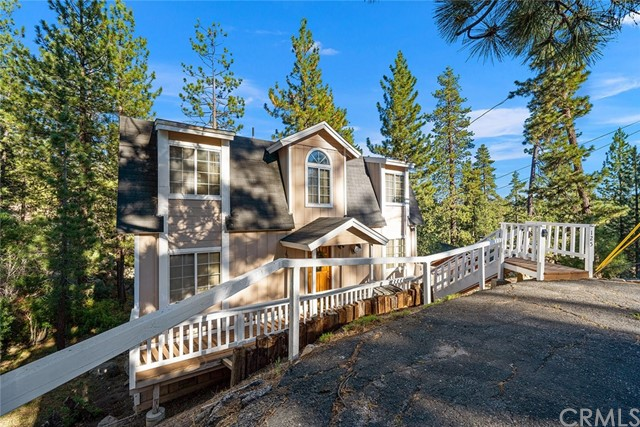 1257 Iroquois Lane, Fawnskin, CA 92333
