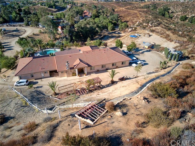 Photo of 32400 Crooked Arrow Drive, Wildomar, CA 92595