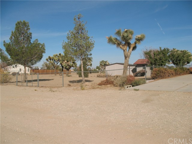 10791 Columbine Rd, Oak Hills, CA 92344 Photo 18
