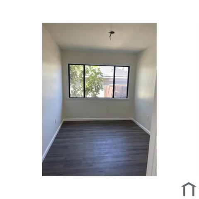 4702 Montair Avenue, Long Beach CA: https://media.crmls.org/medias/6162acc7-a361-4d31-9f40-c99f5b54beb5.jpg