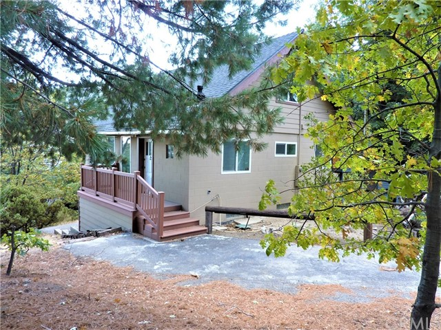 6070 Manzanita Avenue, Angelus Oaks, CA 92305
