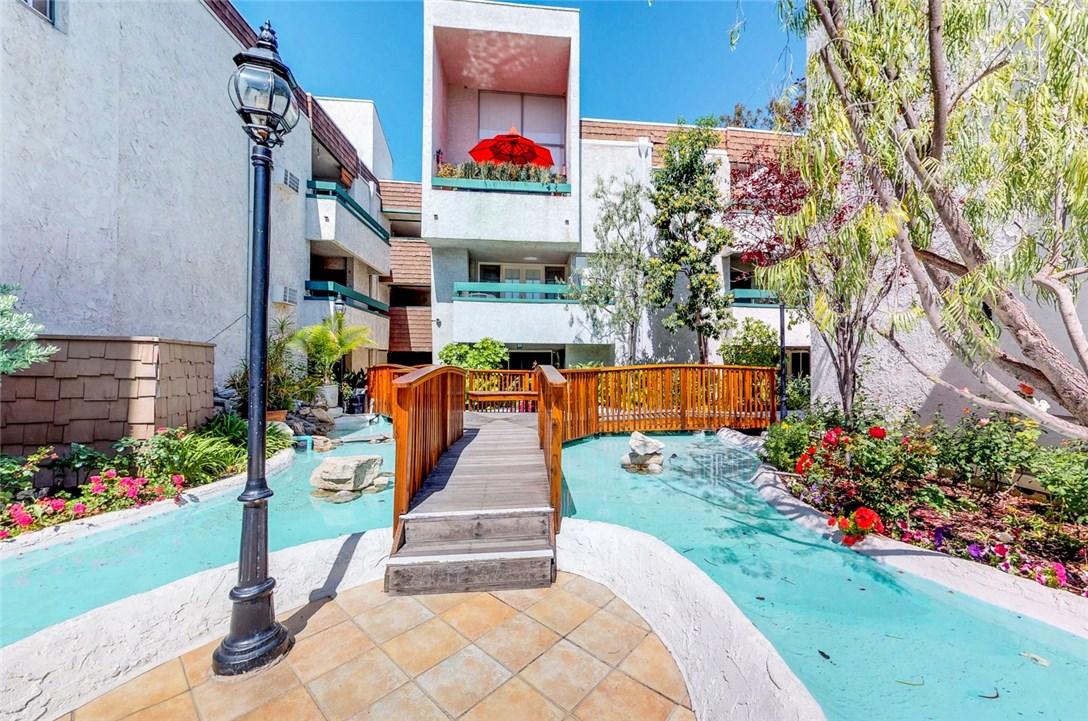 360 S Euclid Av, Pasadena, CA 91101 Photo 0