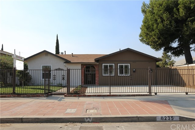 8235 Agnes Avenue, North Hollywood, CA 91605