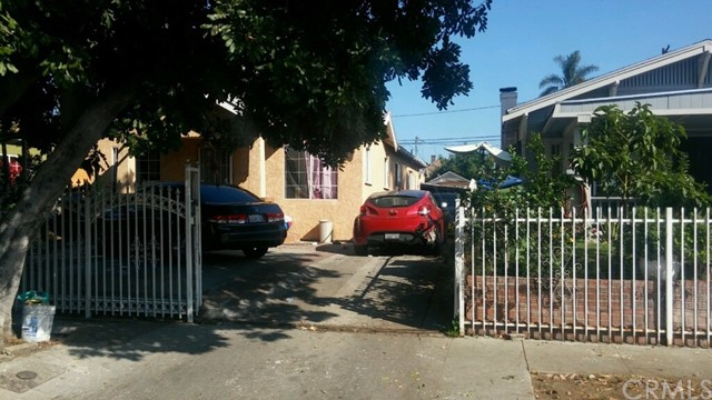 845 W 50th Place, Los Angeles, CA 90037