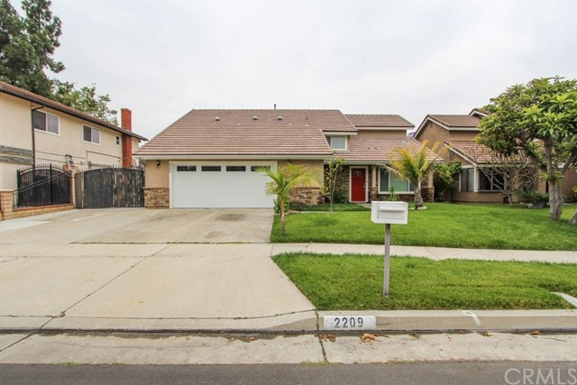 2209 Huckleberry Road, Santa Ana, CA 92706
