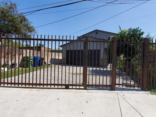 11514 Willowbrook Avenue, Los Angeles, CA 90059