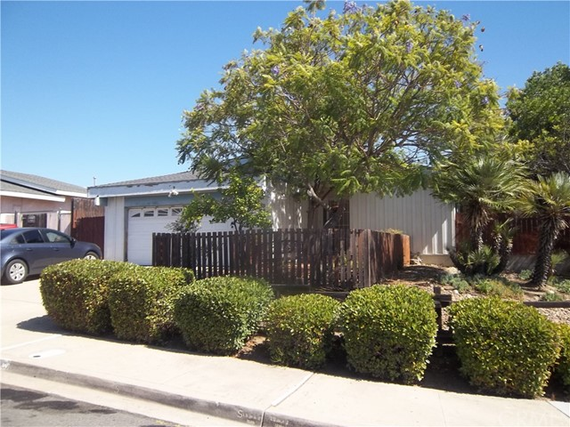9401 Medina Drive, Santee, CA 92071