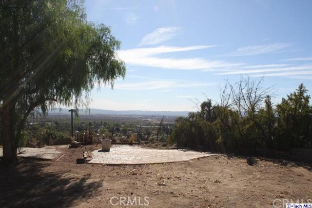 11901 West Trail Ave, Sylmar, CA 91342