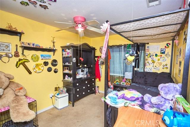 9030 Guadalupe Av, Oak Hills, CA 92344 Photo 23