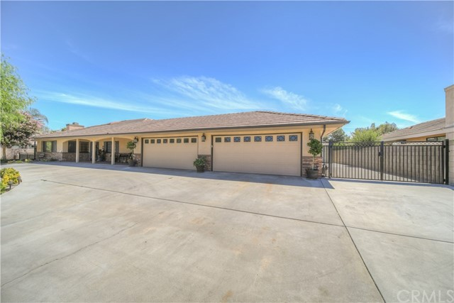 594 Almarie Way, Hemet, CA 92544