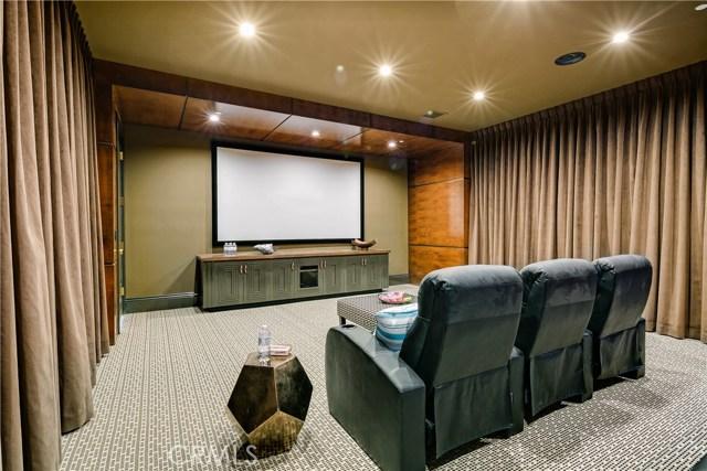 560 W Orange Grove Avenue Arcadia, CA 91007