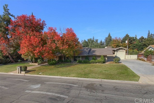 2136 W San Bruno Avenue, Fresno, CA 93711