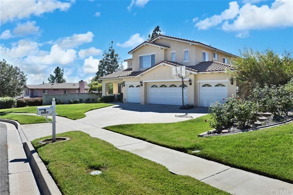 This is it! You do not want to miss this rare find! A 4-car garage home - located in the most desirable location of Rancho Cucamonga! Enjoy a nicely landscaped front lawn with a formal double door entry to a high ceiling and open floor plan with a lot of natural light.  The living room flows to the family room and kitchen, a total of four bed rooms-one is located downstairs. Brand new carpet, fresh paint. And Yes, located in a Cul de Sac-very quiet neighborhood! No HOA, 2 separate A/C unites in the property, desirable Los Osos High school if you need! Welcome to check the 3D tour!