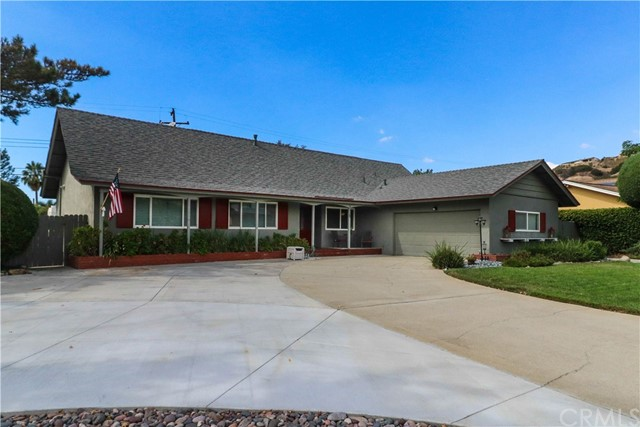 2325 W Silver Tree Road, Claremont, CA 91711