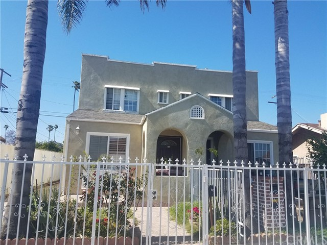 713 W 49th Place, Los Angeles, CA 90037
