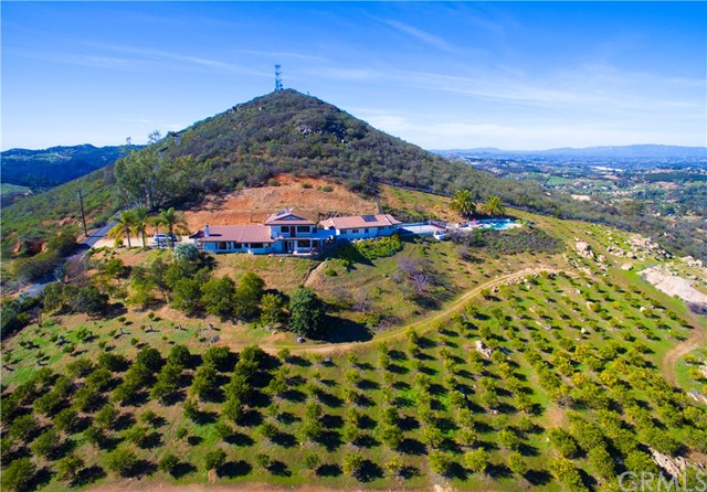 29555 Sierra Rojo Lane, Valley Center, CA 92082