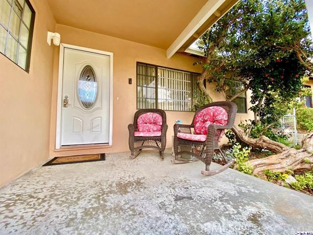 3023 Scott Road, Burbank, CA 91504