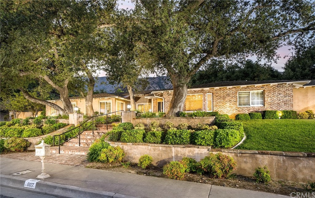 Photo of 607 Oak Grove Drive, Glendora, CA 91741