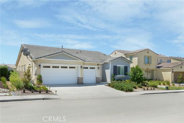 2. 1435 Worland Street Beaumont, CA 92223