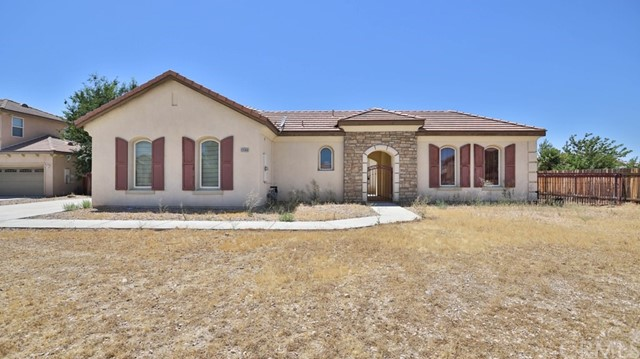 12688 Yorkshire Drive, Apple Valley, CA 92308